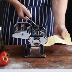 WFIT Deluxe Машина для приготування пасти з двома насадками